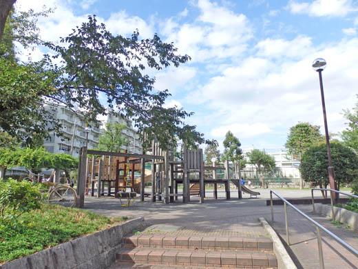 周辺環境:区立下代田児童遊園
